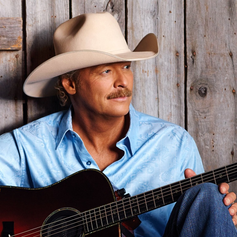 ALAN JACKSON BECOMES A MEMBER OF THE COUNTRY MUSIC HALL OF FAME ON SUNDAY, OCTOBER 20TH.