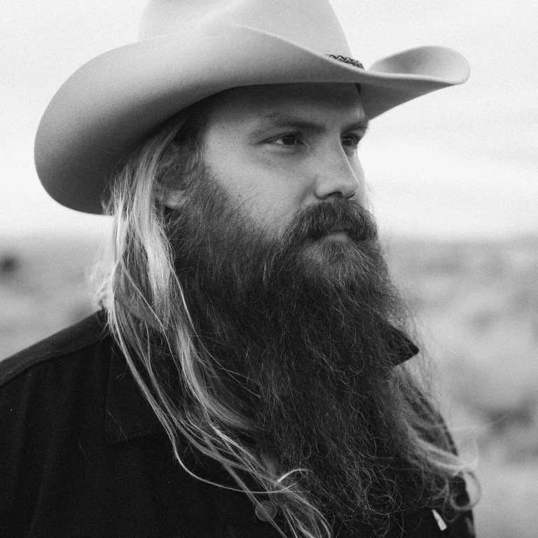 CHRIS STAPLETON STEALS THE SHOW WITH AWARDS AND A PERFORMANCE.