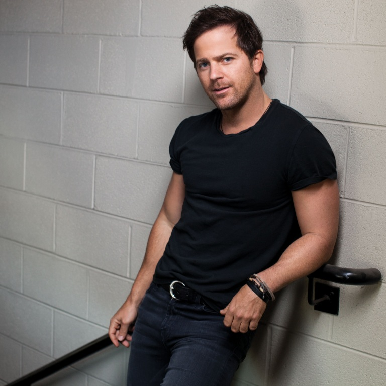 KIP MOORE RELEASES NEW SINGLE, 'RUNNING FOR YOU.'