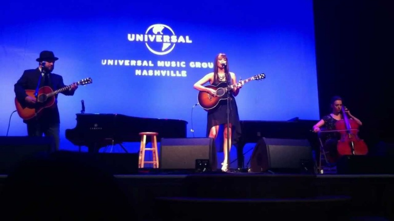 Kacey Musgraves at The Ryman – Merry Go 'Round