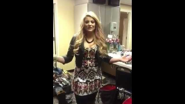 Lala's Video Blog: Lauren's Back on Tour