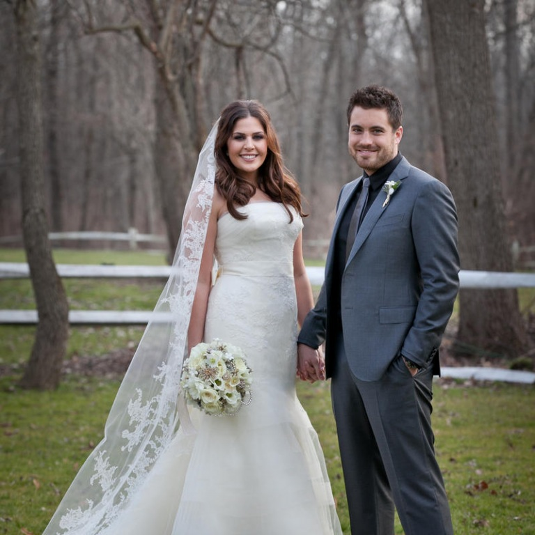 LADY ANTEBELLUM'S HILLARY SCOTT TIES THE KNOT! (AUDIO)