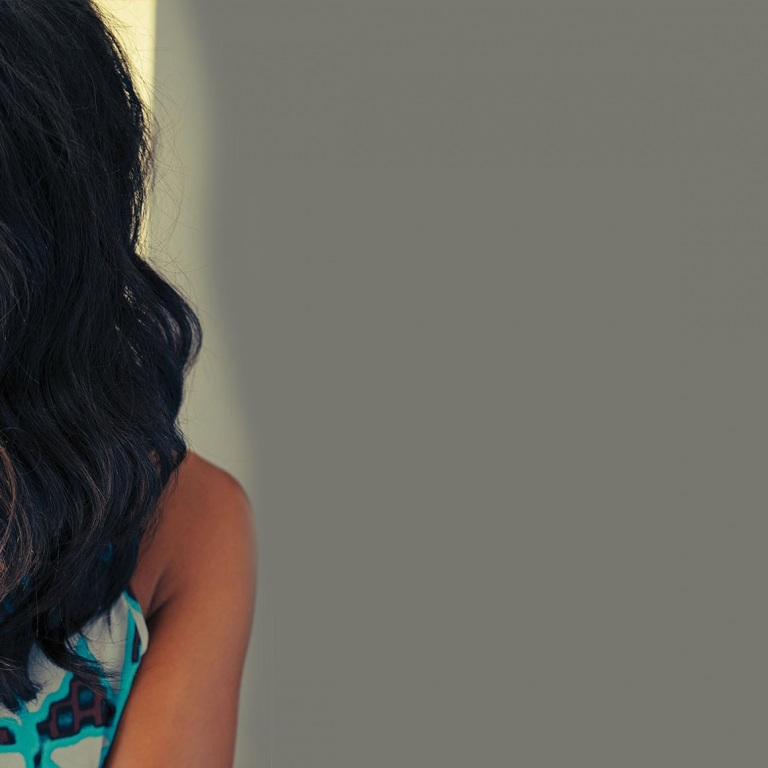 MICKEY GUYTON IS SURPRISED BY A MEETING WITH HER IDOL, DOLLY PARTON.