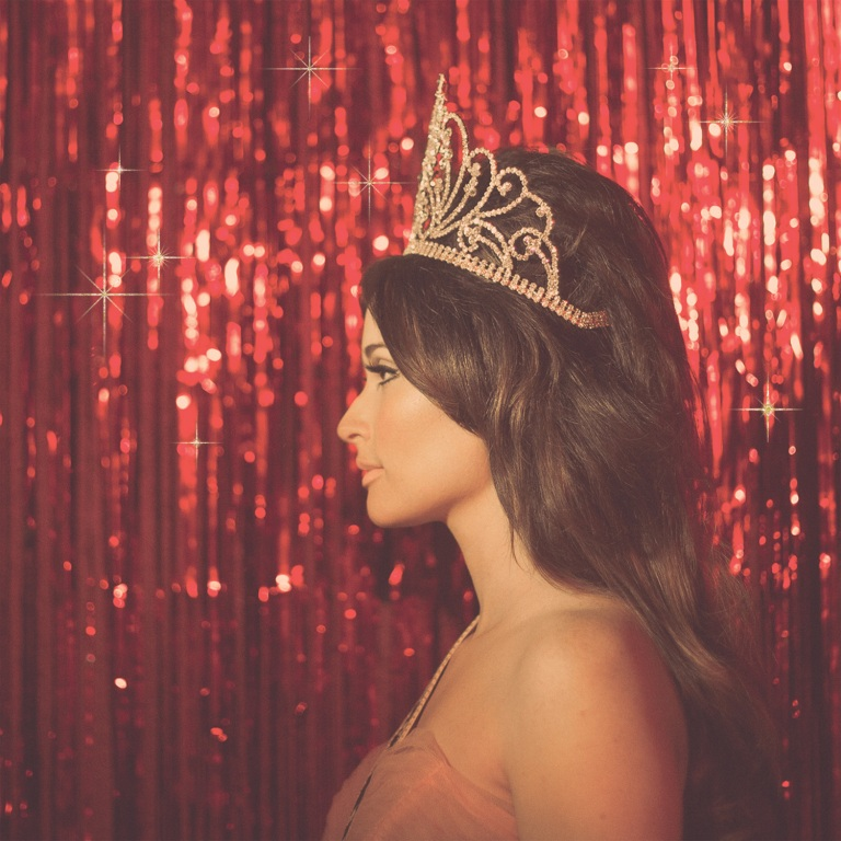 KACEY MUSGRAVES' PAGEANT MATERIAL BOWS AT NO. 1 ON THE COUNTRY ALBUM CHART.