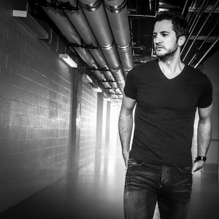 LUKE BRYAN WANTS HIS FANS TO 'KICK THE DUST UP.'