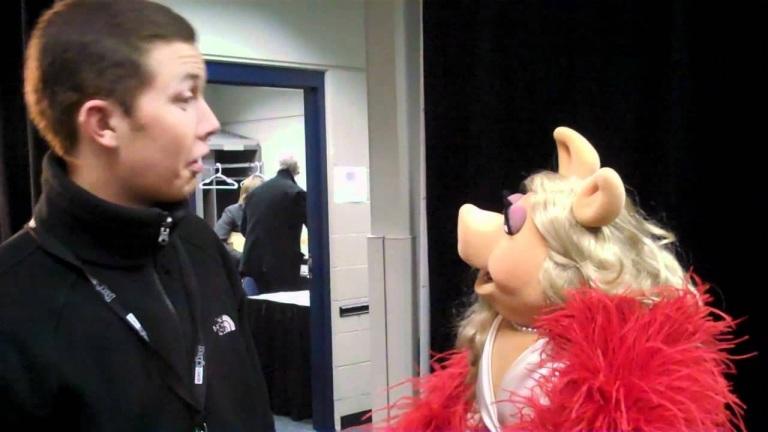 Scotty's Video Blog: Scotty Meets Miss Piggy