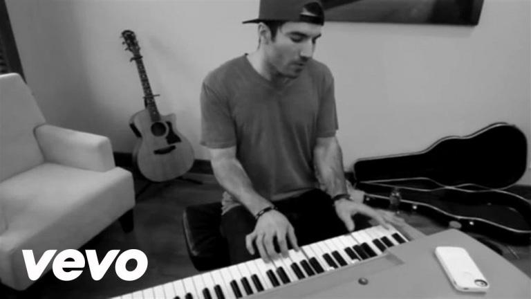 Sam Hunt – Make You Miss Me (Live/Acoustic)