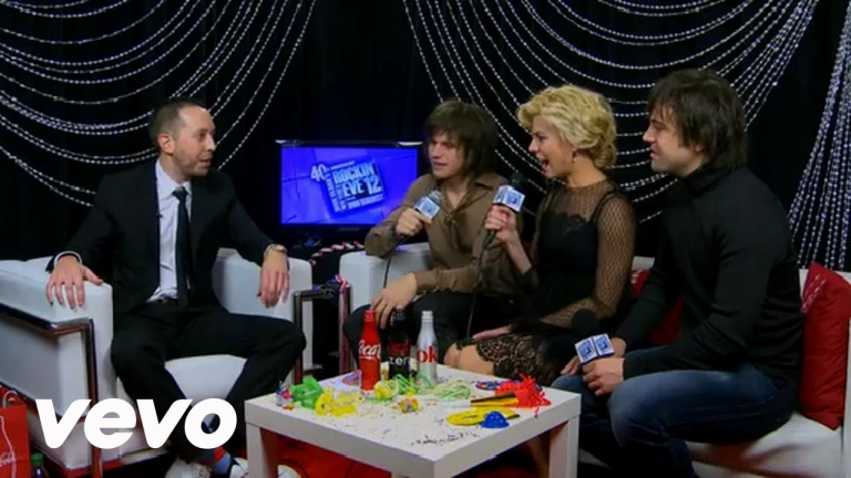 The Band Perry – On Their Songwriting Formula (NYRE 2012)