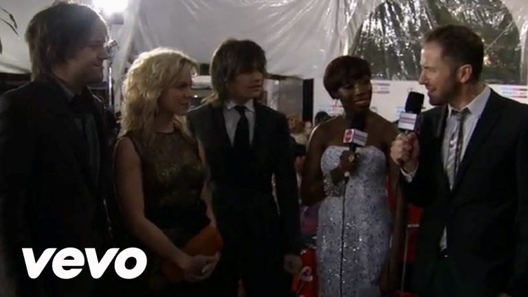 The Band Perry – 2011 Red Carpet Interview (American Music Awards)
