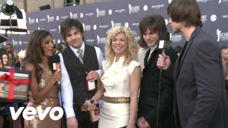 The Band Perry – 2011 Red Carpet Interview (Academy Of Country Music Awards)