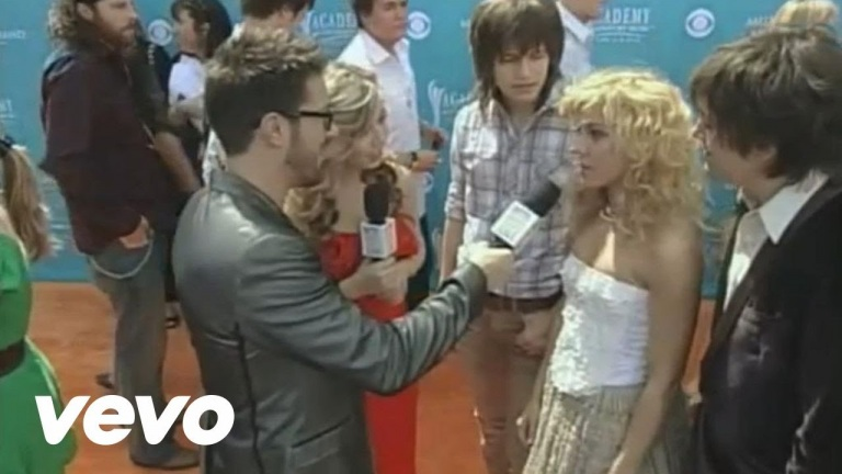The Band Perry – 2010 Orange Carpet Interview (Academy of Country Music Awards)