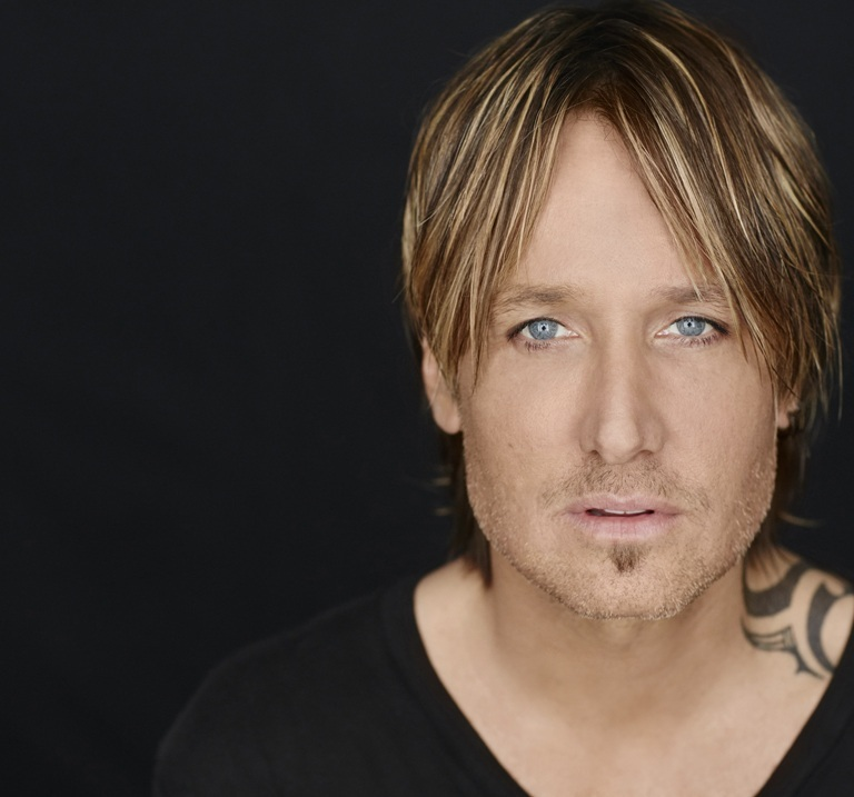 KEITH URBAN PERFORMS MIRANDA LAMBERT'S 'VICE' BACKSTAGE AT THE OPRY.
