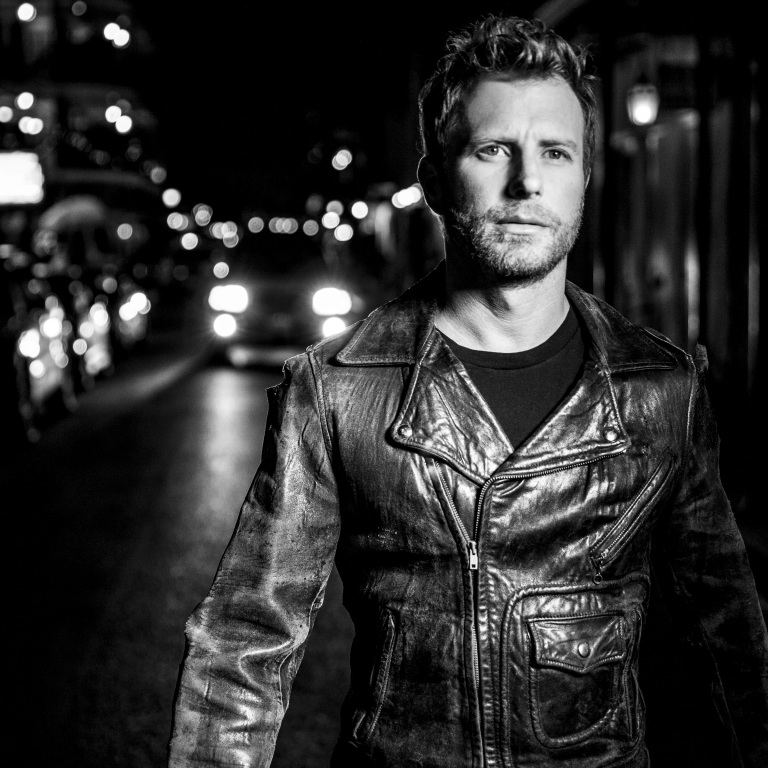 DIERKS BENTLEY'S TOUR OPENERS ARE CRUSHING IT.
