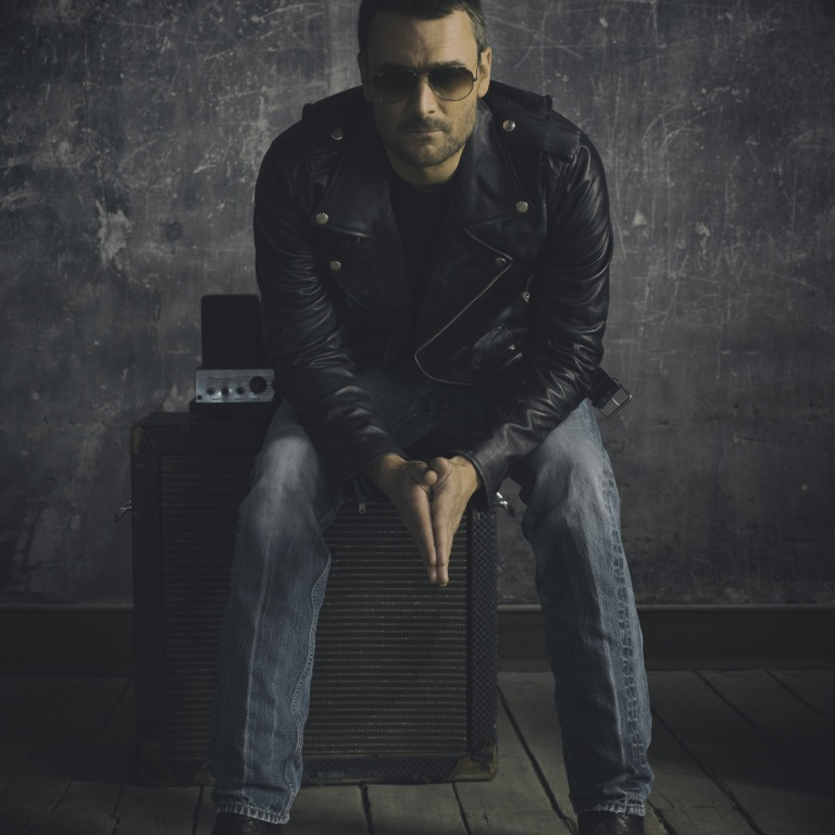 ERIC CHURCH WILL RELEASE MR. MISUNDERSTOOD ON THE ROCKS LIVE AND (MOSTLY) UNPLUGGED COLLECTION.