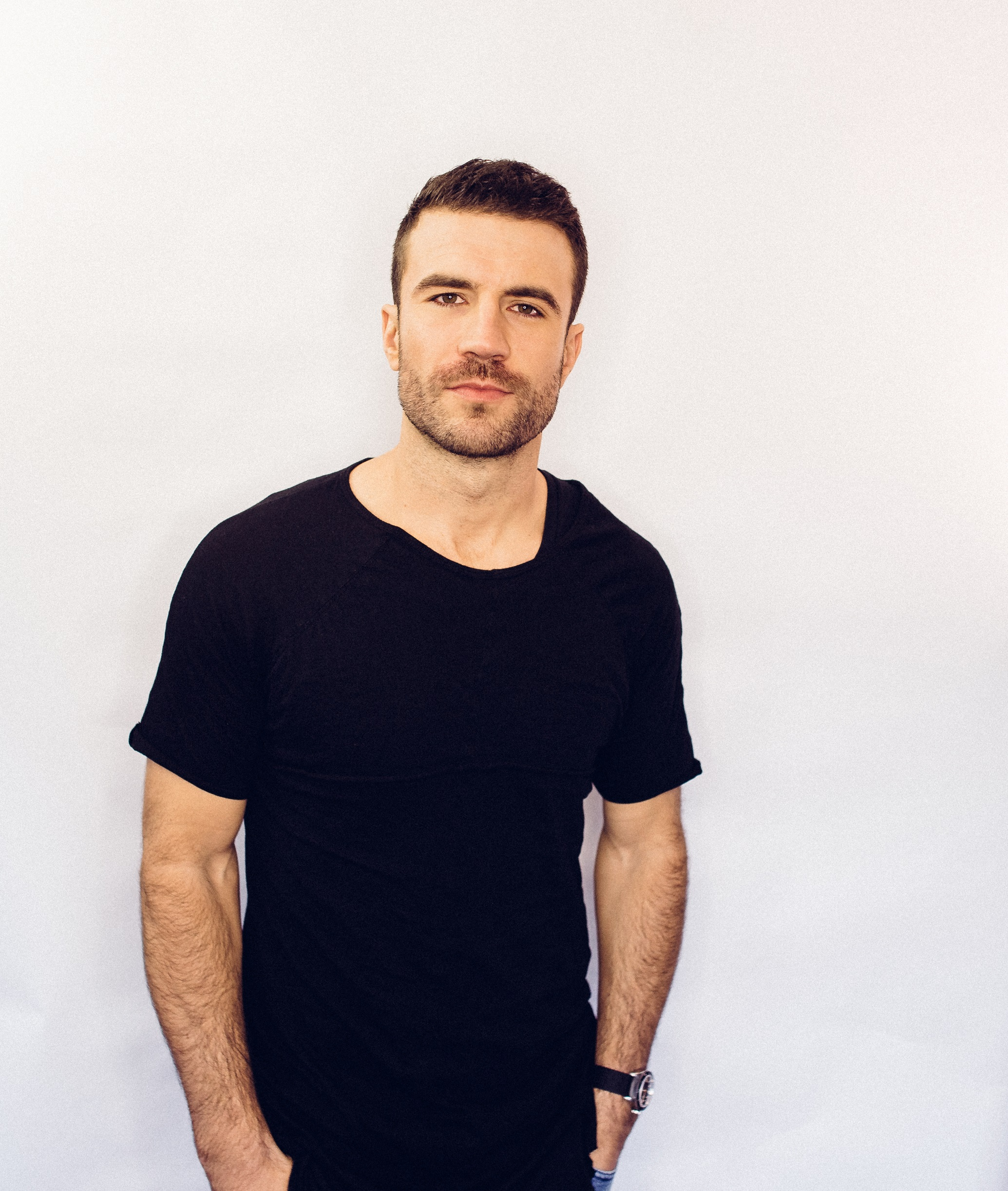 SAM HUNT PERFORMS 'BODY LIKE A BACK ROAD' DURING SUNDAY NIGHT'S BILLBOARD MUSIC AWARDS.