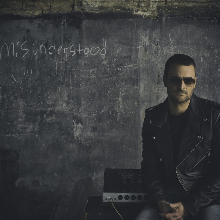ERIC CHURCH WILL 'HOLD HIS OWN' AT THIS YEAR'S CMA AWARDS.