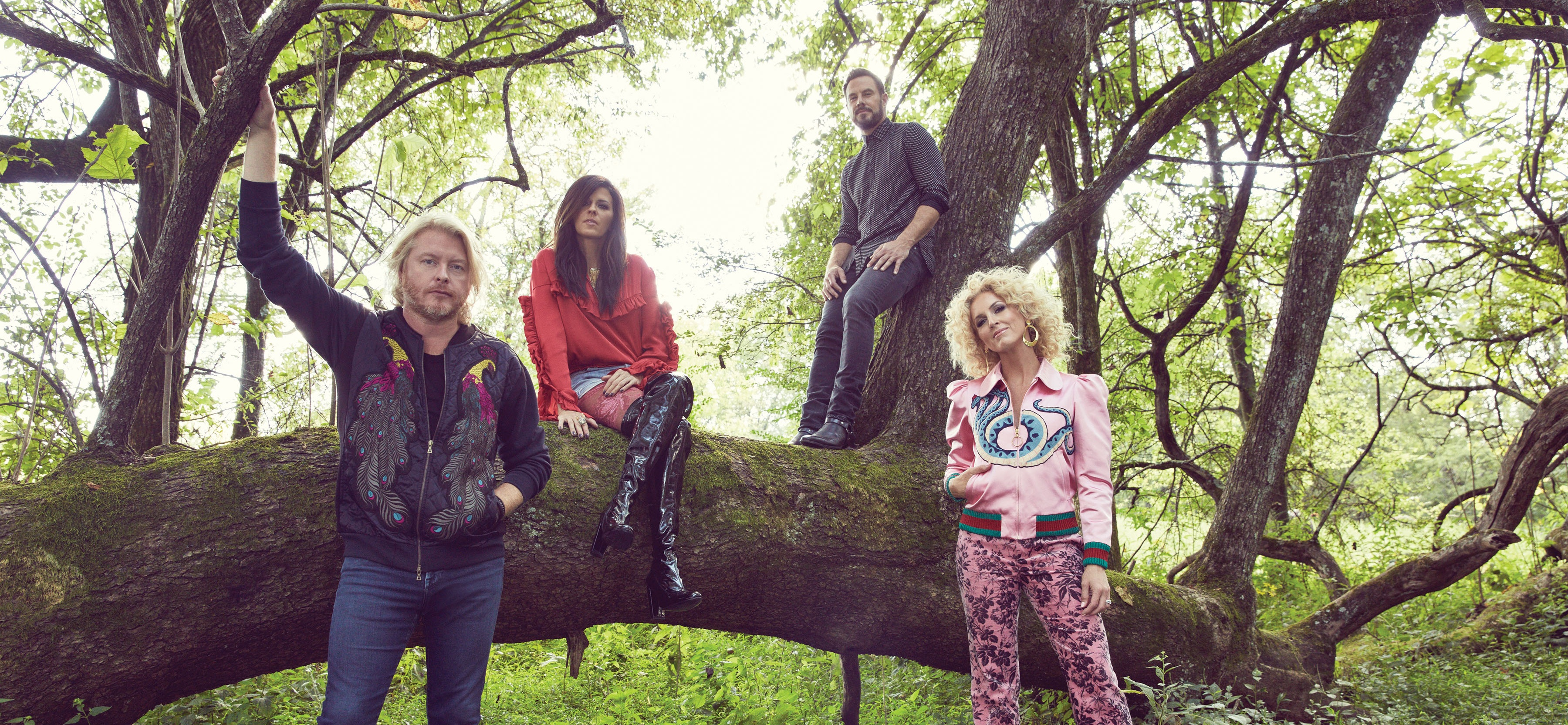 LITTLE BIG TOWN SCORES BIG AT THIS YEAR'S CMA AWARDS.