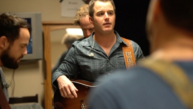 Easton Corbin – Behind the Scenes – Shipshewana, IN (Diggin' On You)