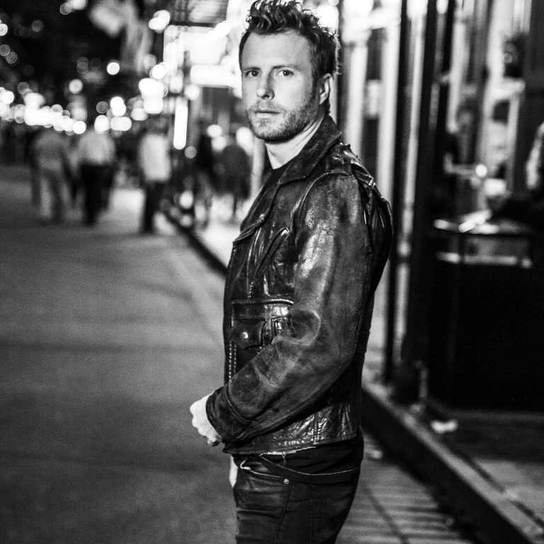 DIERKS BENTLEY HOSTS 750K FANS ON HIS 'WHAT THE HELL TOUR.'