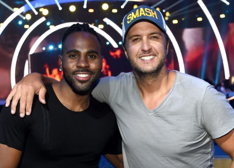 LUKE BRYAN AND JASON DERULO TAKE FANS BEHIND-THE-SCENES OF THEIR CMT MUSIC AWARDS PERFORMANCE.