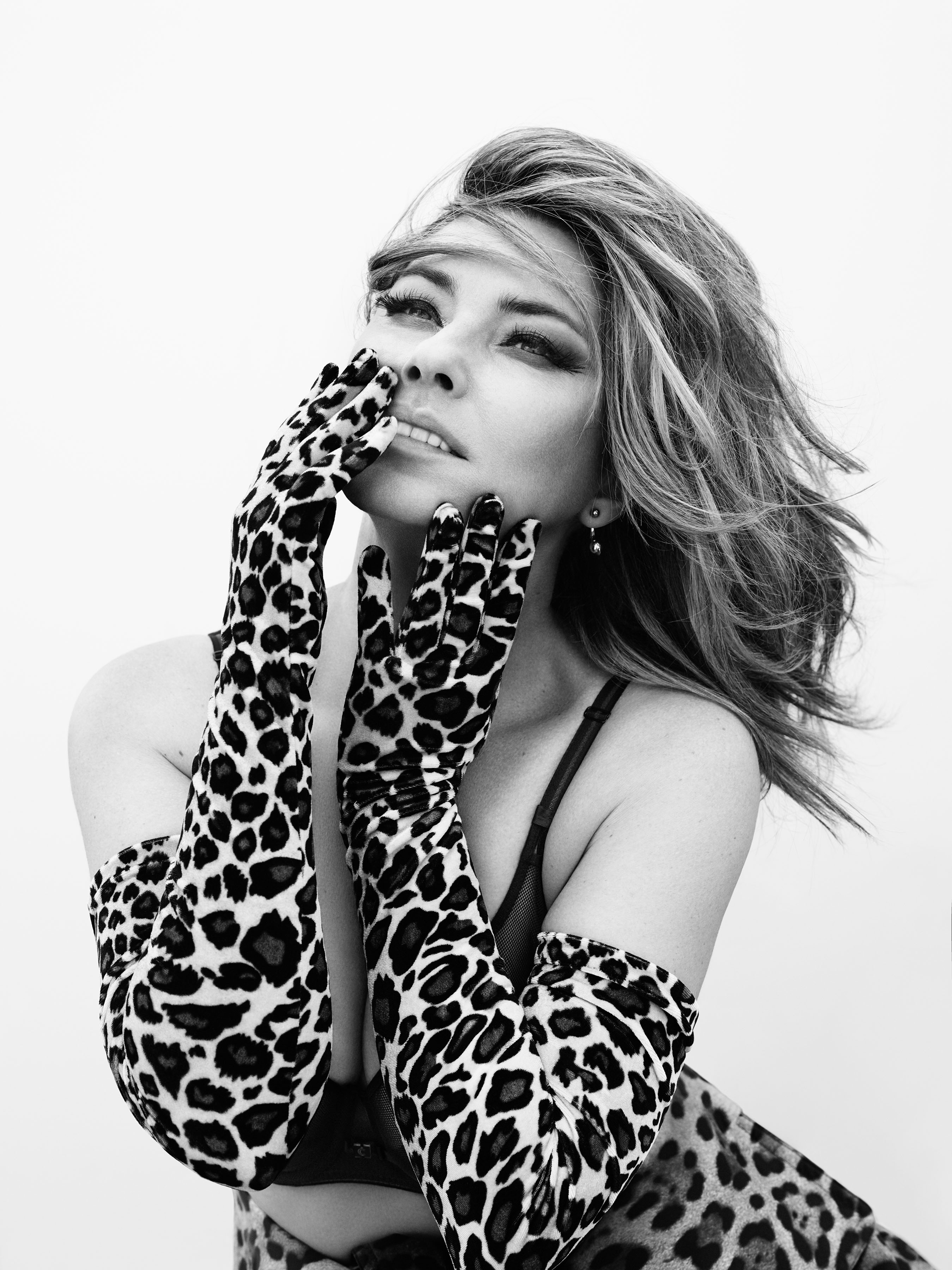 SHANIA TWAIN SERVES FANS ANOTHER TASTE FROM HER NEW ALBUM.