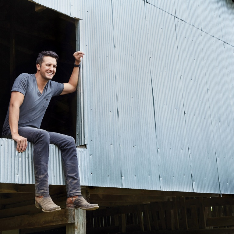 LUKE BRYAN TAKES FANS BEHIND-THE-SCENES OF THIS YEAR'S 'CMA FEST' TV SPECIAL.