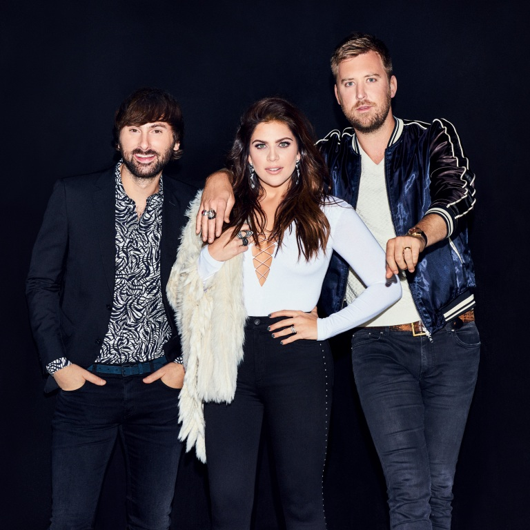 LADY ANTEBELLUM GIVE FANS AN ACOUSTIC 'HEART BREAK.'
