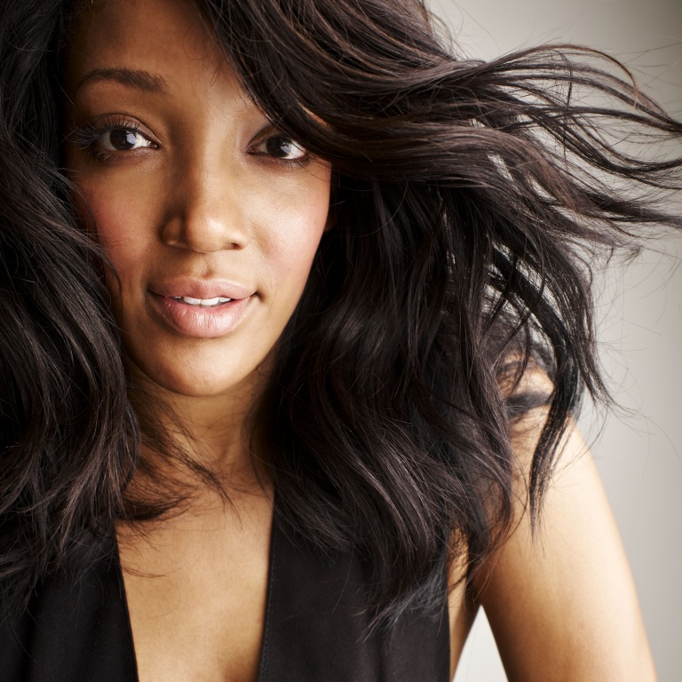 MICKEY GUYTON RELEASES A MUSIC VIDEO FOR 'NICE THINGS.'