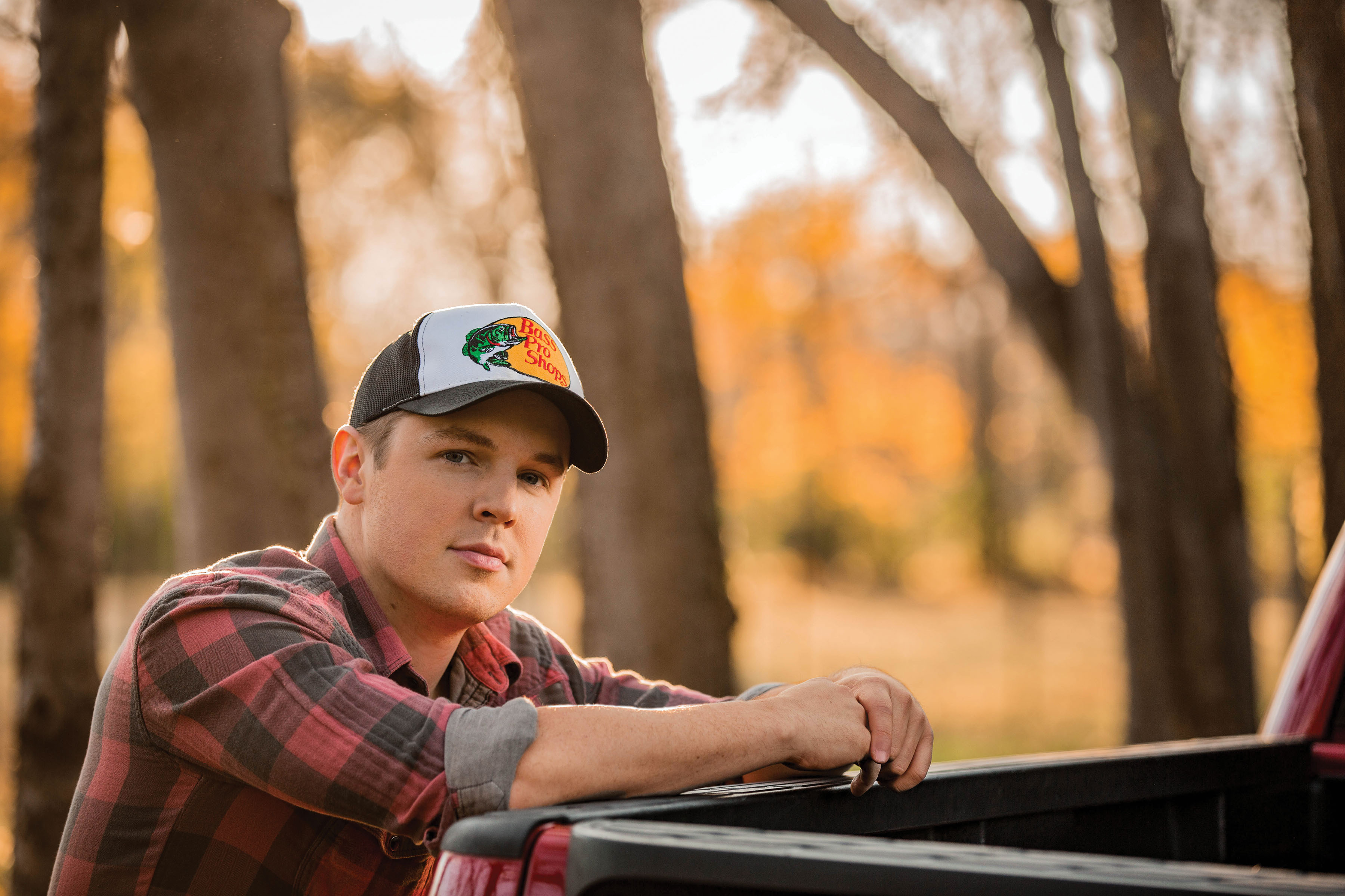 TRAVIS DENNING RELEASES HIS DEBUT SINGLE!