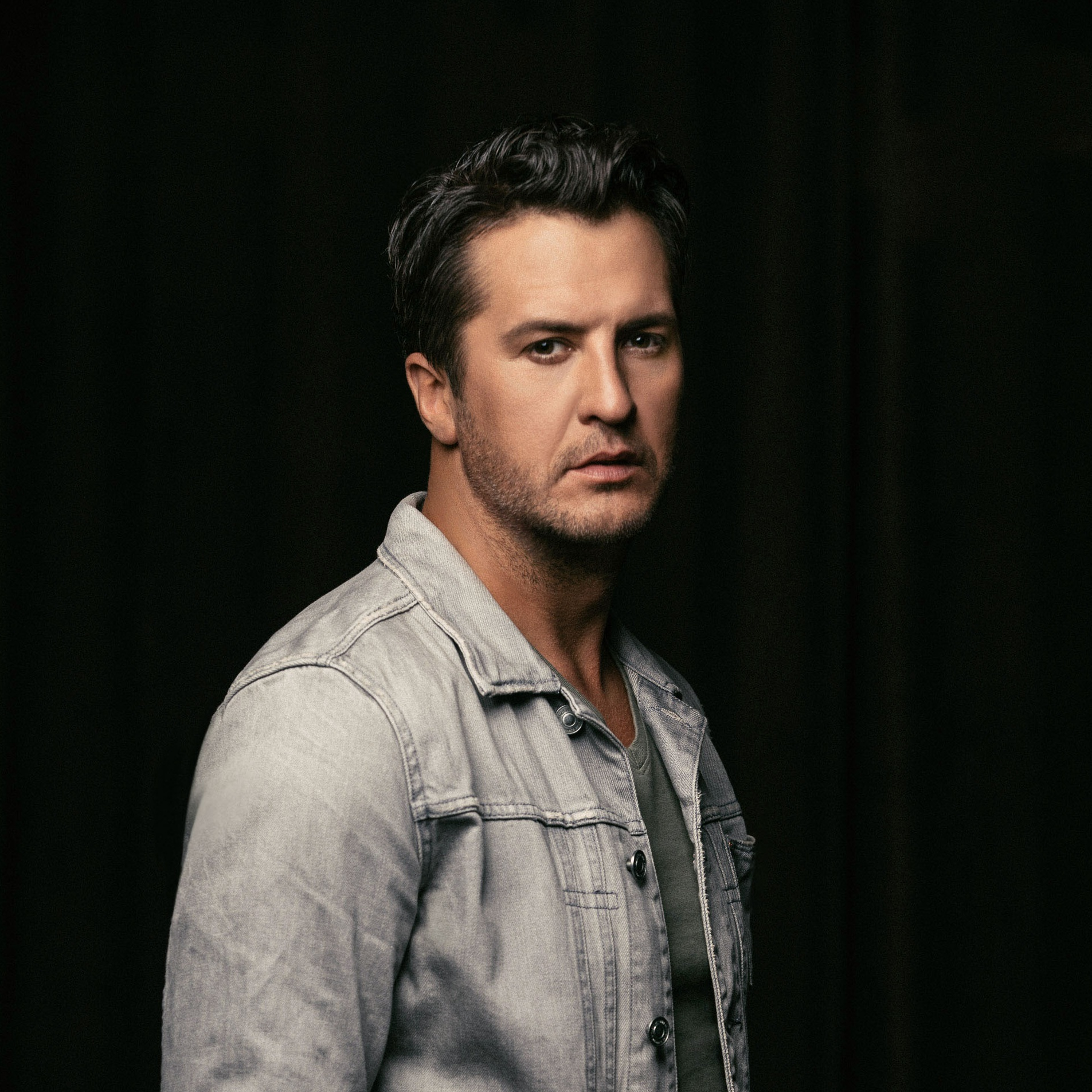 LUKE BRYAN DEBUTS NEW SINGLE ON AMERICAN IDOL FINALE AND PREPS THE NEXT LEG OF HIS AWARD-WINNING TREK, WHAT MAKES YOU COUNTRY TOUR.