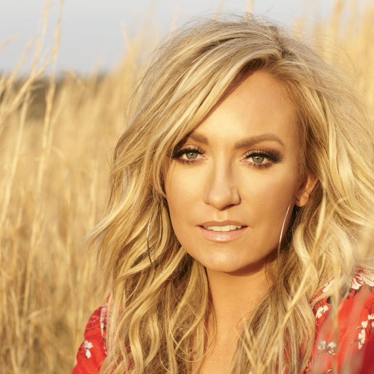CLARE DUNN AND KASSI ASHTON WILL HELP KICKOFF CMA WEEK.